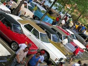 Modelos Ford Galaxie expostos em encontro de carros antigos do Galleria Shopping, em Campinas (SP) (Foto: Divulgação/Galleria Shopping)