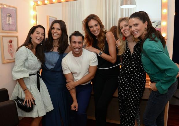 Joana Nolasco, Rafaela Cardoso, G Junior, Lilian Pieroni, Manu Andrade e Daniella Sarahyba (Foto: Divulgação)