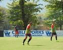 Damião dá lambreta, e Diego tenta  gol por cobertura em treino técnico