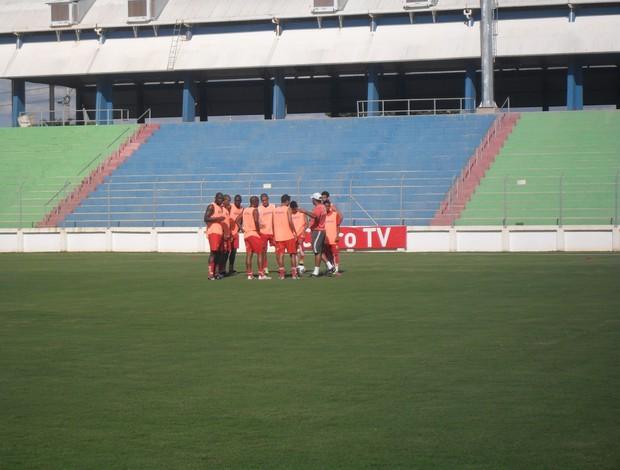 Guarani-MG treina pela primeira vez na Arena do Calçado (Foto: Thiago Carvalho)