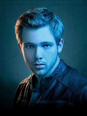 Dylan Massett (Max Thieriot) (Foto: Divulgao)