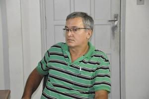 Zek Gomes dirigente do Vila Aurora (Foto: Robson Boamorte)