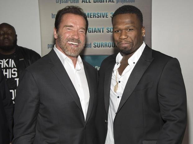 Arnold Schwarzenegger e 50 Cent em pré-estreia de filme em Nova York, nos Estados Unidos (Foto: Andrew Kelly/ Reuters)