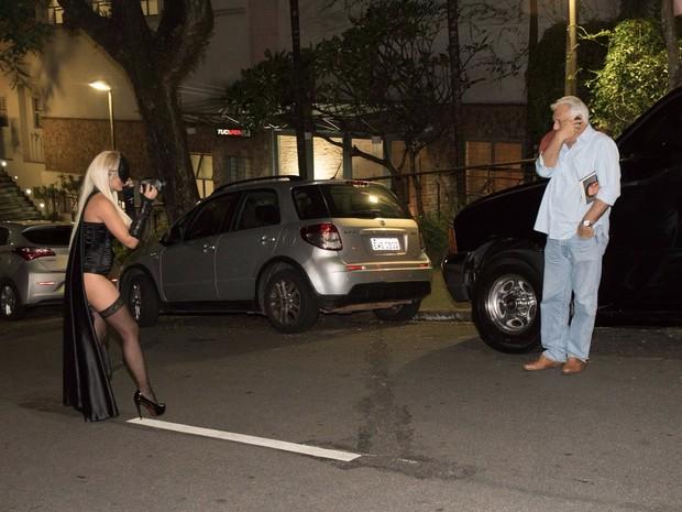 Paparazzi misteriosa fotografa Antônio Fagundes (Foto: Divulgação)