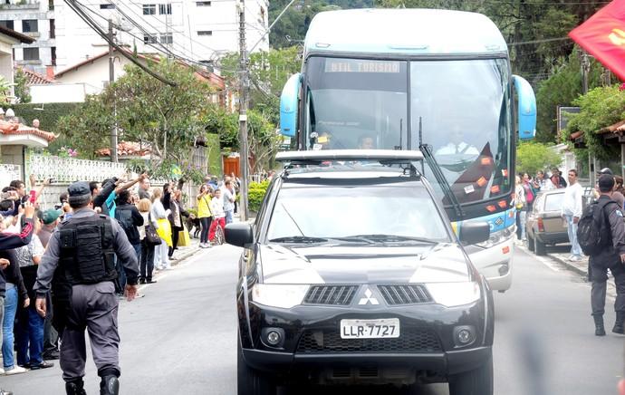 Chegada da Seleção na Granja (Foto: Leandro Canônico)