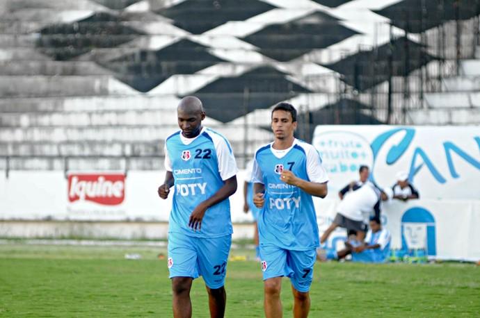 Leandro Souza - Memo - Santa Cruz (Foto: Aldo Carneiro/Pernambuco Press)
