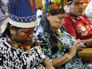 Índios na sessão que julga embargos de declaração opostos em face de acórdão do Plenário do STF na PET 3388 (Foto: Nelson Jr./SCO/STF)