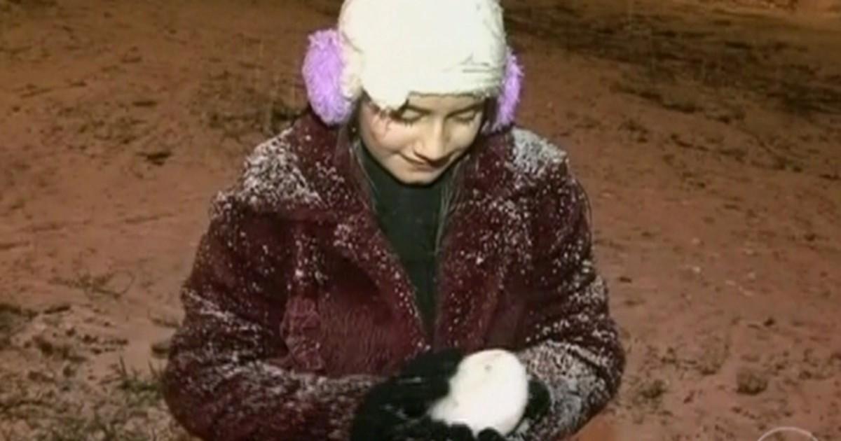 Neve atinge mais de 80 cidades do Sul do país e fecha rodovias e escolas