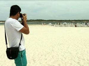 Turista argentino ficou decepcionado com a situação da Lagoa do Paraíso. Segundo ele, bem diferente das fotos da internet (Foto: Reprodução/TV Verdes Mares)