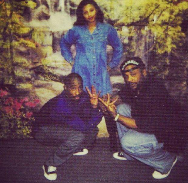 Big Syke posa com Tupac (esq), morto em 1996 (Foto: Reprodução)