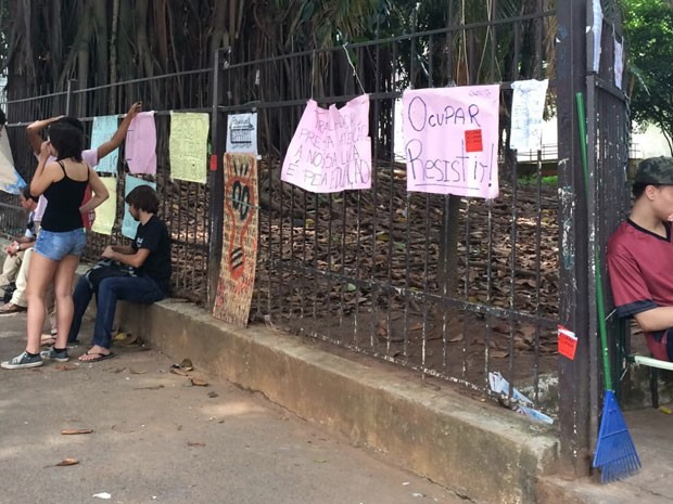 Estudantes ocupam a Escola Estadual Fernão Dias Paes, em Pinheiros (Foto: Karina Godoy/G1)