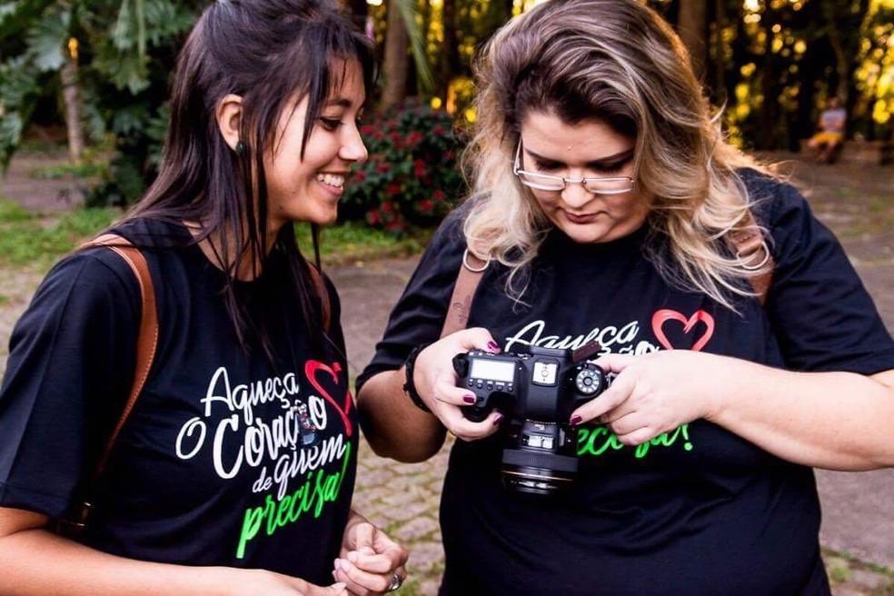 Cerca de 20 fotógrafos participaram do projeto e tiveram a ajuda de voluntários na organização dos ensaios (Foto: Guilherme Rocha)