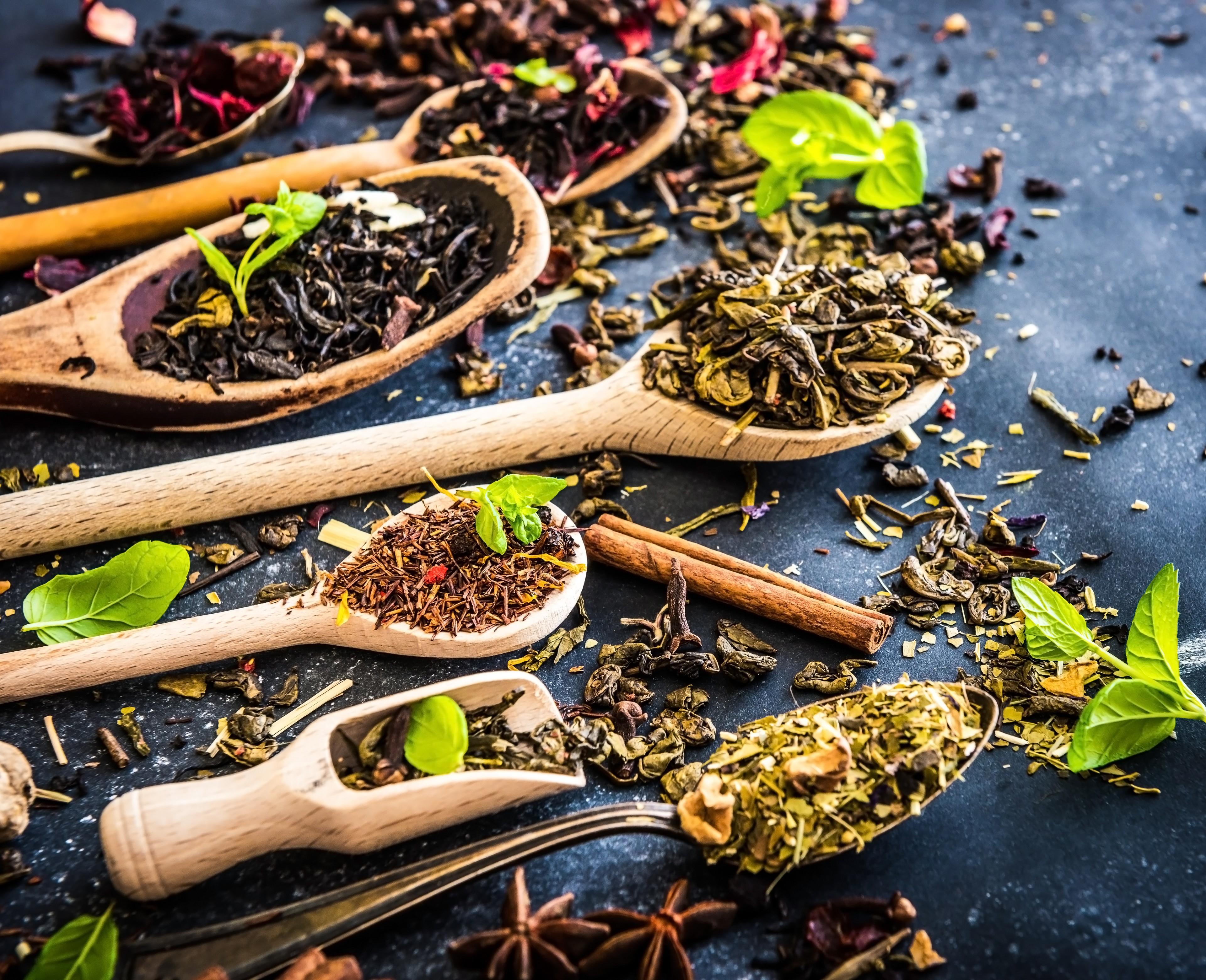 Os melhores chás para enxugar a barriga (Foto: Thinkstock)