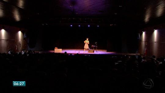 Oficinas de artes e peças de teatro são oferecidas gratuitamente em Cuiabá