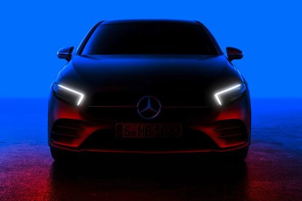 Nova geração do Mercedes Classe A aparece em teaser (Foto: Divulgação)