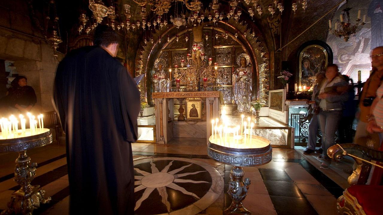 Interior da Igreja do Santo Sepulcro, em Jerusalém (Foto: Wikimedia Commons)