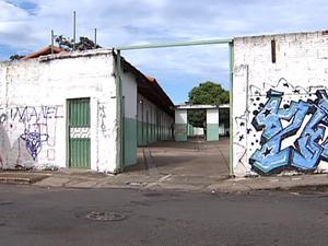 Escolas da rede estadual de ensino paralisam atividades em Uberlândia (Foto: Reprodução/TV Integração)