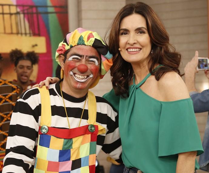 Fátima com o palhaço Xulipa nos bastidores do 'Encontro'  (Foto: Rapahel Dias/Gshow)