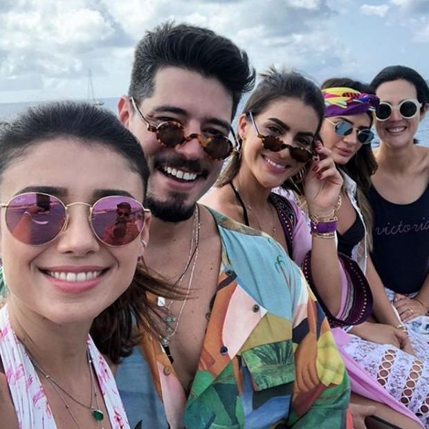 Paula Fernandes, Kadu Dantas, Thassia Naves, Camila Coelho e Vic Ceridono (Foto: Reprodução/Instagram)