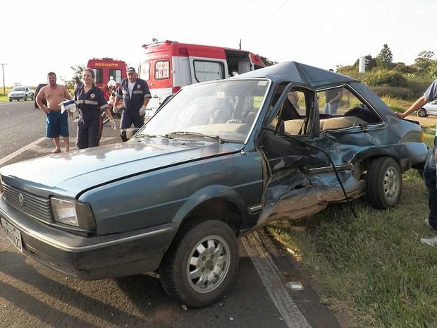 Carro foi atingido ao cruzar rodovia em São Carlos, afirma polícia (Foto: Valdir Penteado/Arquivo pessoal)