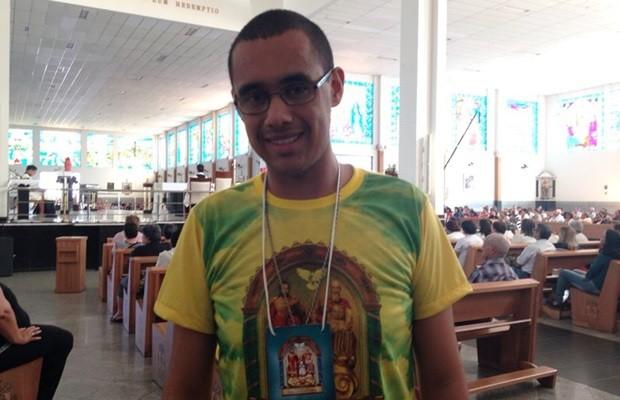 Felipe afirma que trabalhar como voluntário no Santuário é 'vocação' (Foto: Luísa Gomes/G1)