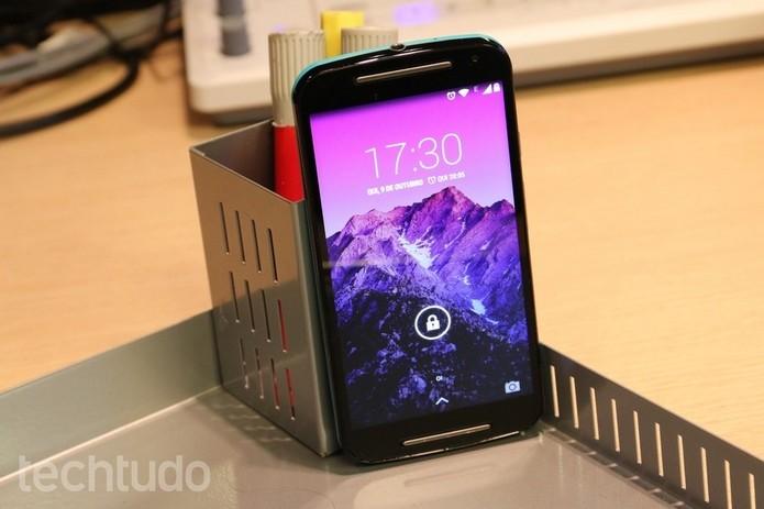Moto G é um dos celulares com Gorilla Glass 3 (Foto: Isadora Díaz/TechTudo)