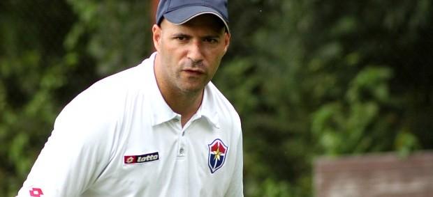 Paulo Morgado, treinador (Foto: Anderson Silva/GLOBOESPORTE.COM)