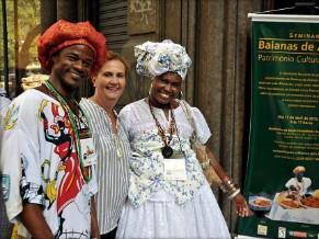 Museóloga Mônica e os baianos do acarajé (Foto: Divulgação)