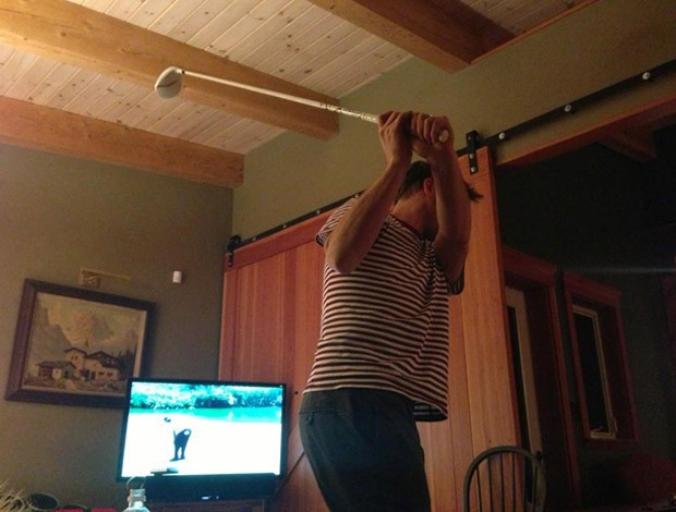 vôlei de praia Morgan Beck marido taco de golfe (Foto: Reprodução/Twitter)