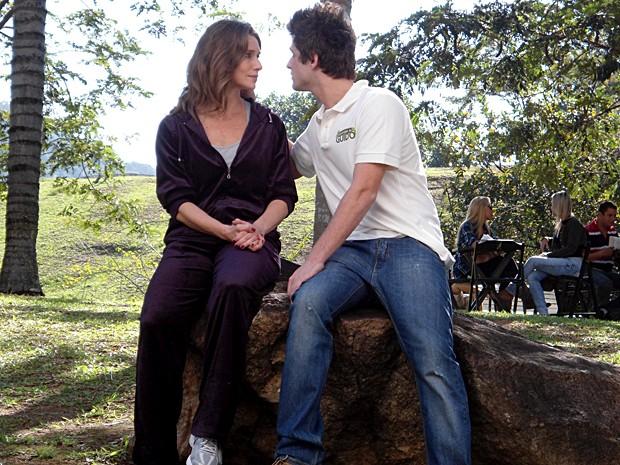 Laura conversa com Guido sobre Babi (Foto: Malhação / TV Globo)