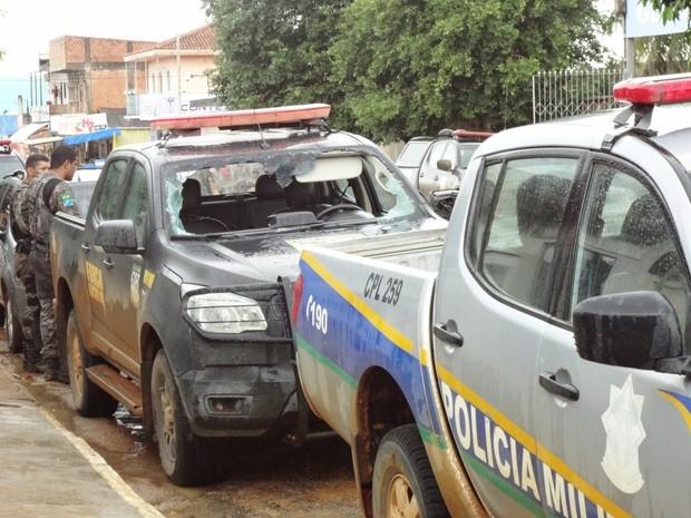 Viaturas da Força Nacional foi depredada durante confronto na Flona Bom Futuro (Foto: Êduard Motta/Rondoniavip)