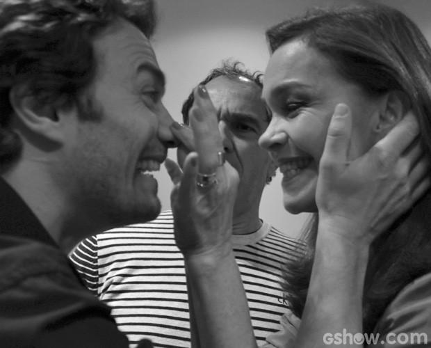 Quanto riso! Gabriel e Julia se divertem juntos (Foto: Domingão do Faustão/TV Globo)