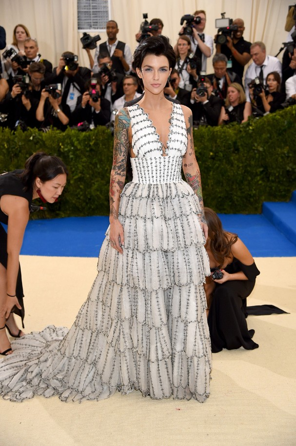 """NEW YORK, NY - MAY 01:  Ruby Rose attends the """"Rei Kawakubo/Comme des Garcons: Art Of The In-Between"""" Costume Institute Gala at Metropolitan Museum of Art on May 1, 2017 in New York City.  (Photo by Dimitrios Kambouris/Getty Images) (Foto: Getty Images)"""