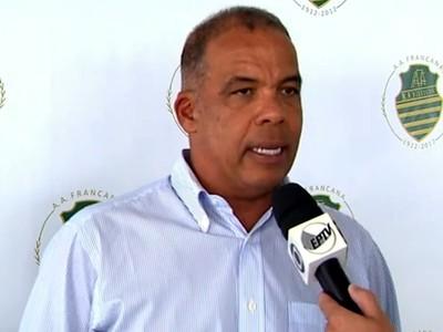 Francana apresenta técnico Márcio Máximo para a disputa da Série A3 (Foto: Márcio Meireles / EPTV)