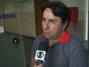 Milton França denuncia que filho de 23 anos foi espancado em shopping (Foto: Reprodução / TV Subaé)