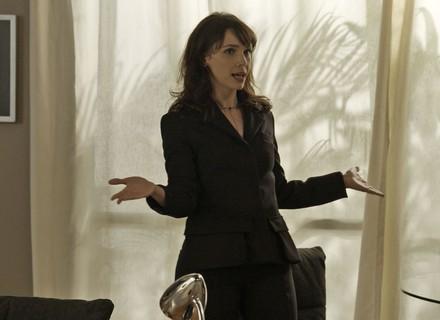 Dicas de moda: blazer de Irene é destaque no capítulo de 6/7, de 'A Força do Querer'