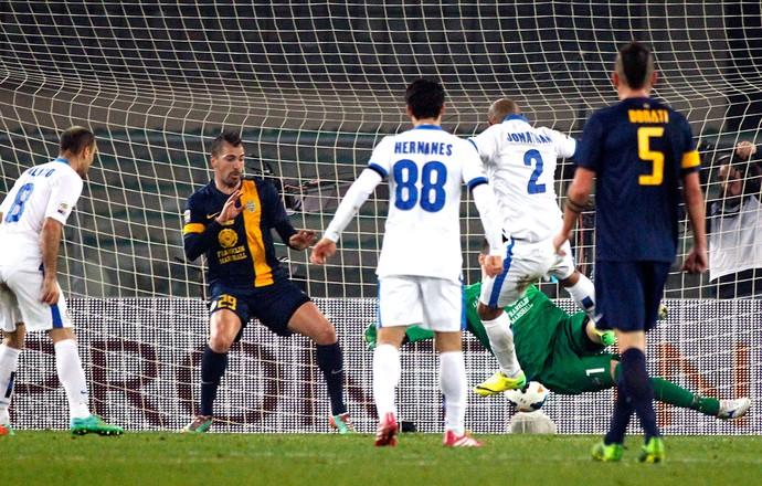 Jonathan gol Inter de Milão contra Verona (Foto: AP)