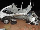 Colisão entre carros e caminhão mata duas pessoas em rodovia de Lucélia