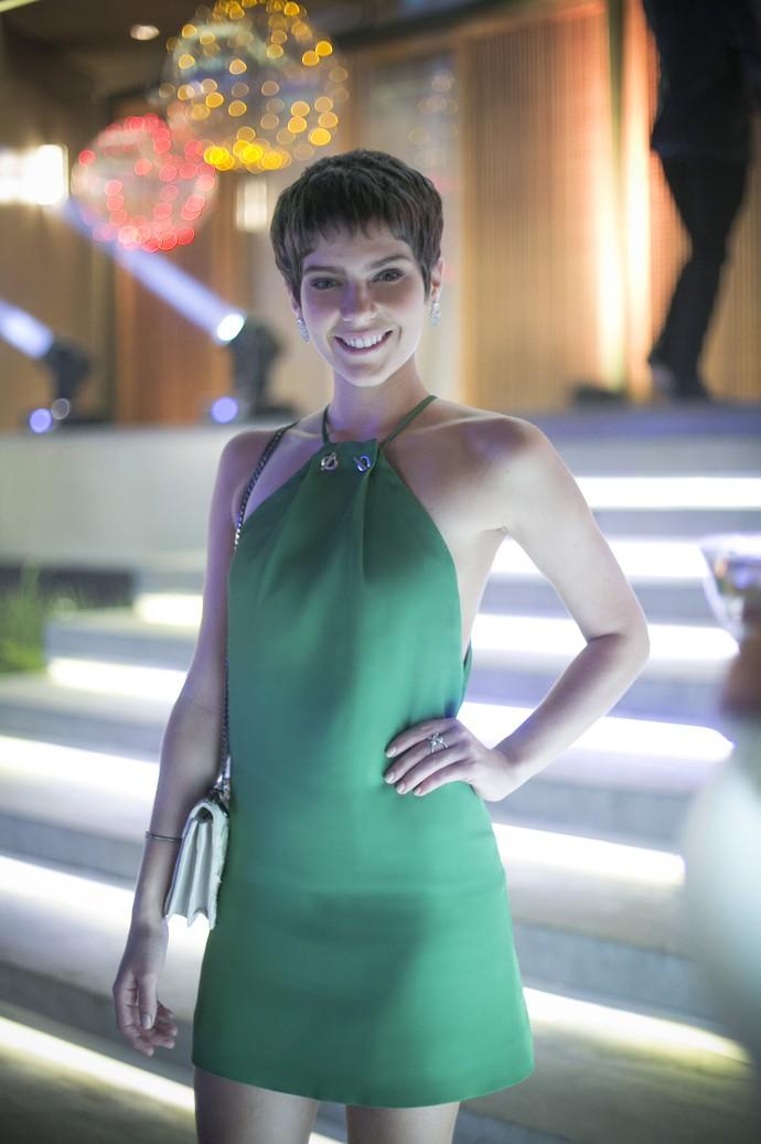 Letícia ficou ótima de vestido verde (Foto: Raphael Dias/Gshow)