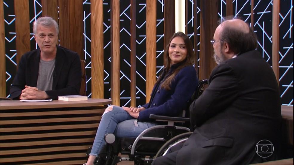 Pedro Bial com seus entrevistados (Foto: Reprodução/TV Globo)