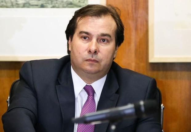 O presidente da Câmara dos Deputados, Rodrigo Maia (DEM-RJ) durante reunião de lideranças (Foto: Marcelo Camargo/Agência Brasil)