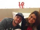 Preta Gil e marido posam em hotel em São Paulo após lua de mel