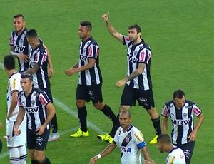 Lucas Pratto comemora gol contra o Vasco (Foto: Reprodução/Sportv)
