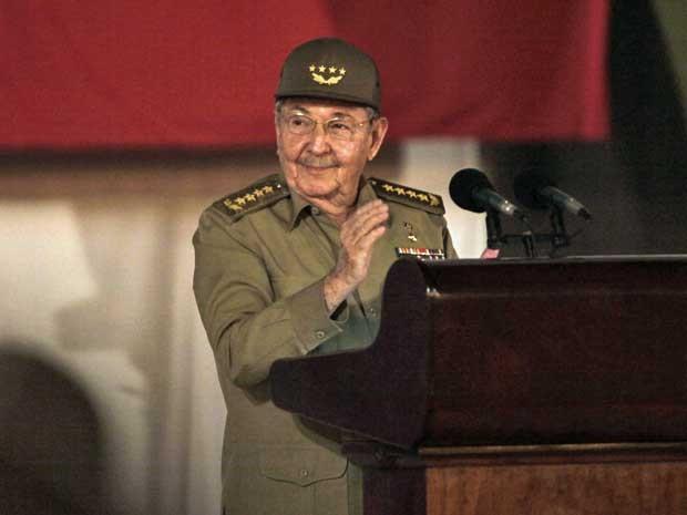 Presidente de Cuba, Raúl Castro, durante discurso de celebração do 55º aniversário da Revolução Cubana. (Foto: Ismael Francisco / Cubadebate / Via AP Photo)