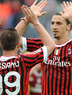 Cassano e Ibrahimovic, Siena x Milan (Foto: AFP)