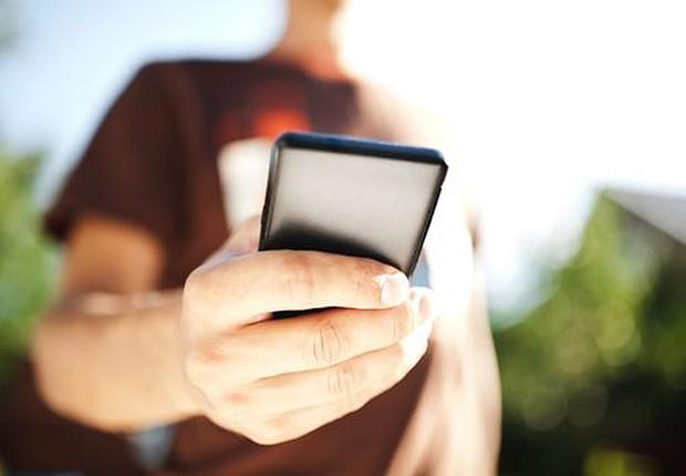 Celular ; internet móvel ; aplicativo ; mensagem de texto ; smartphone ;  (Foto: Reprodução/Facebook)