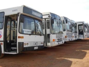 Três linhas de ônibus atendem 1300 pessoas por mês. (Foto: Divulgação/Prefeitura de Wenceslau Braz)