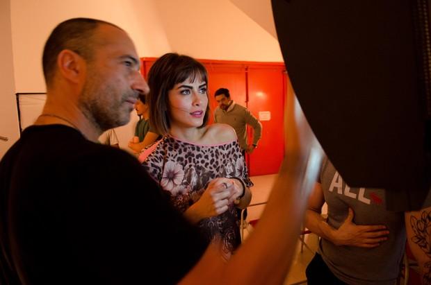 Maria Casadevall é a estrela da Campanha de verão 2014 da dzarm (Foto: Marcello Bravo/Divulgação)