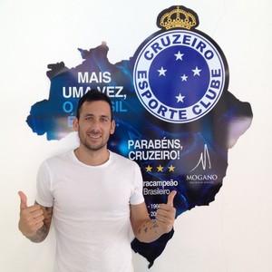 Cruzeiro confirma argentino Ariel Cabral como novo reforço (Foto: Divulgação/Cruzeiro)
