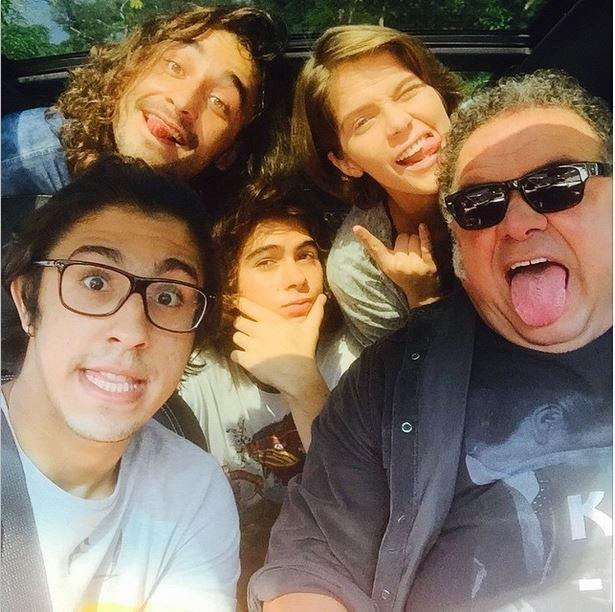 Isabela Santoni, Rafael Vitti, Leo Jaime  e elenco (Foto: Reprodução/Instagram)